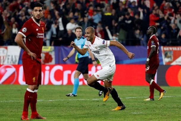Ekspresi gelandang Sevilla, Guido Pizarro setelah menjebol gawang Liverpool untuk membuat skor akhir 3-3 dalam pertandingan Grup E Liga Champions, Rabu (22/11) dini hari WIB.