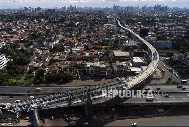 Arieal view of Mass Rapid Transit (MRT) construction at Fatmawati area, South Jakarta, Thursday (June 1).