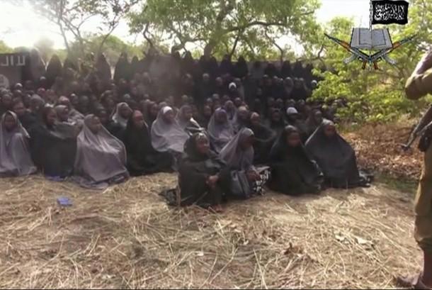 Foto lama memperlihatkan sejumlah anak perempuan Chibok yang diculik dari sekolahnya tiga tahun lalu oleh kelompok radikal Nigeria.