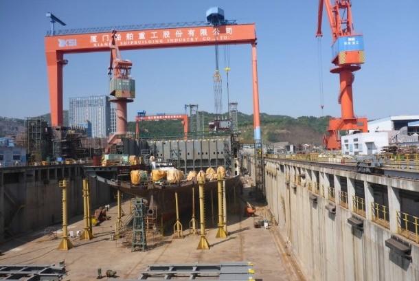 Galangan kapal di Xiamen Shipbuilding Industry Co Ltd di Xiamen, Cina, Senin (23/10).