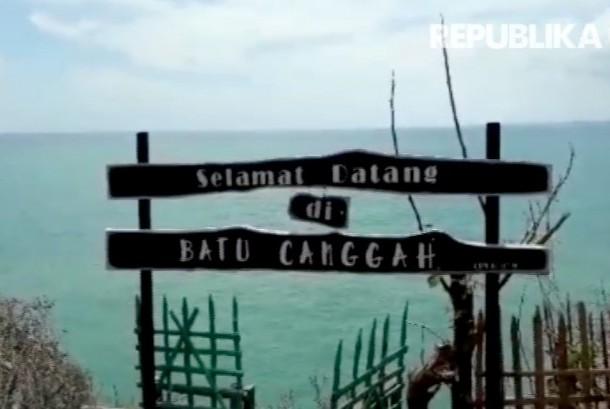 Gili Iyang, salah satu destinasi wisata unggulan di Kabupaten Sumenep, Madura, Jawa Timur