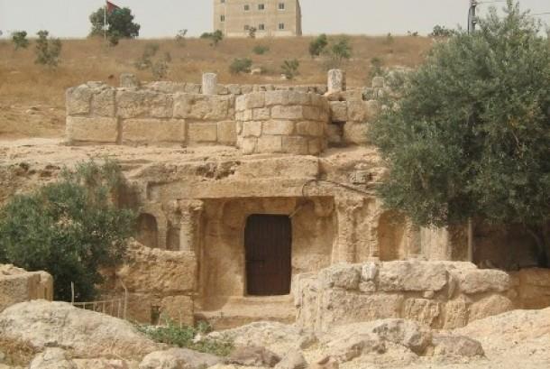 Amman Yordania Tempat Gua Ashabul Kahfi