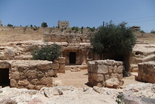 Gua Ashabul Kahfi di Yordania.