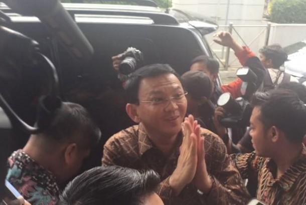 Gubernur DKI Jakarta, Basuki 'Ahok' Tjahaja Purnama setelah diperiksa di Bareskrim Polri soal pernyataannya terkait surah Al Maidah ayat 51, Senin (24/10).