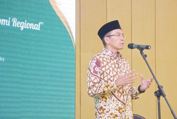 Gubernur NTB Tuan Guru Haji (TGH) Muhammad Zianul Majdi memberikan keynote speech pada Rembuk Republik yang digelar di Islamic Center NTB, Mataram, Kamis (15/6).