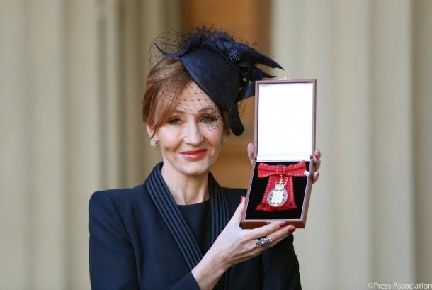J.K. Rowling Terima Penghargaan Langka dari Kerajaan Inggris