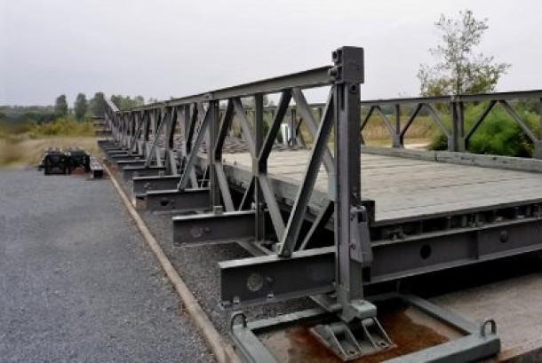 Jembatan bailey, terbuat dari struktur rangka besi (ilustrasi)