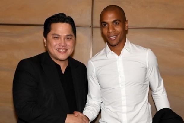 Joao Mario (kanan) dan Presiden Inter Milan Erick Thohir