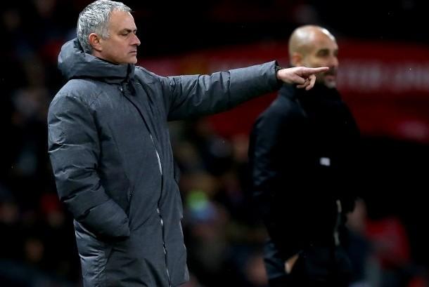 Jose Mourinho (kiri) dan Pep Guardiola (kanan).
