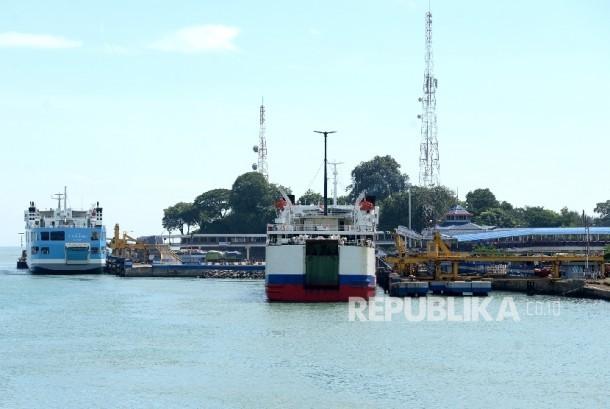 Roro cargo vessel.