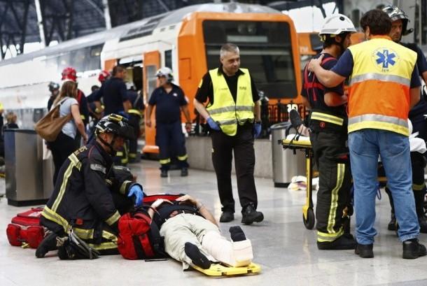 Kecelakaan kereta di Barcelona, Spanyol.