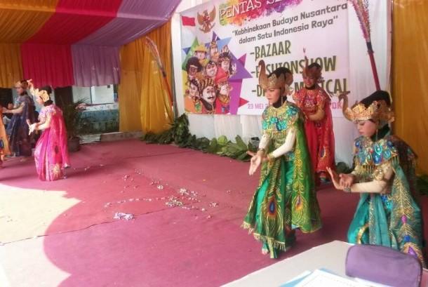 Kegiatan pentas seni yang digelar SMPN 25 Depok, Jawa Barat, Selasa (23/5).