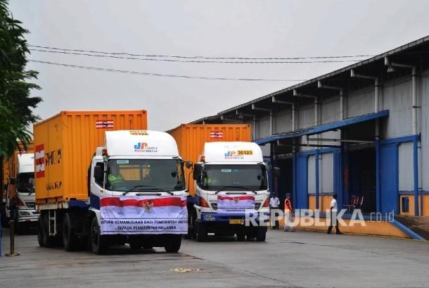 Kendaraan kontainer membawa beras bantuan (Ilustrasi)