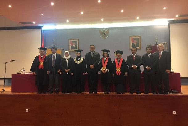 Kepala Kantor Bea Cukai Sulawesi Bagian Utara (Sulut), Cerah Bangun, raih gelar doktoral di bidang Hukum dari Universitas Indonesia (UI).