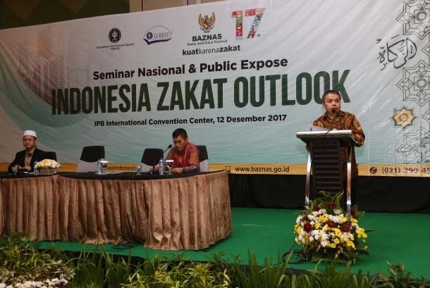 Kepala Pusat Kajian Strategis (Puskas) Baznas yang juga Ketua Departemen Ekonomi Syariah IPB, Dr  Irfan Syauqi Beik, menyampaikan sambutan pada Seminar Nasional dan Public Expose Indonesia Zakat Outlook, di Bogor, Selasa (12/12).