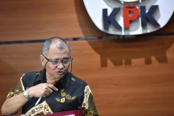 Ketua KPK Agus Rahardjo memberikan keterangan terkait kasus penyiraman air keras terhadap penyidik KPK Novel Baswedan di Gedung KPK Jakarta, Jumat (19/5).