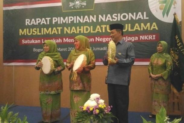 Ketua Umum PP Muslimat NU, Khofifah Indarparawansa membuka Rapminas di Sentul, Bogor (25/3)