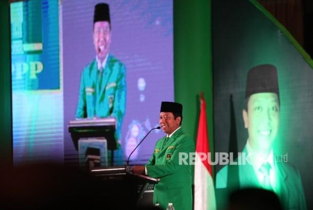 Ketua Umum PPP M Romahurmuziy menyampaikan pidato arahannya pada pembukaan Musyawarah Kerja Nasional (Mukernas) II & Bimtek Anggota DPRD PPP di Jakarta, Rabu (19/7).
