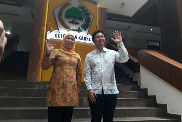Khofifah Indar Parawansa dan Emil Elistyanto Dardak resmi dicalonkan oleh Partai Golkar untuk maju dalam pemilihan Gubernur dan Wakil Gubernur Jawa Timur 2018