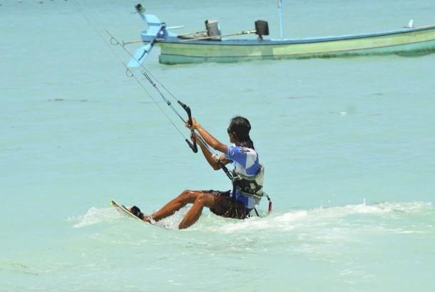 Kite Surfing di Kaliantan, Lombok, NTT