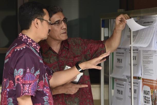 KPU Tinjau Pengumuman DPT Jakarta | Republika Online