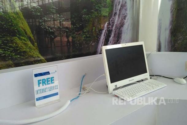 Komputer lengkap dengan sambungan internet gratis (Ilustrasi)