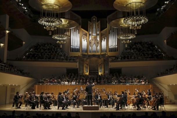 Konser musik klasik.