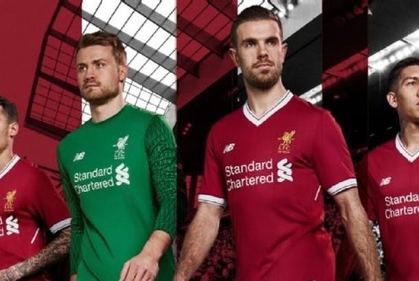 Kostum edisi 125 tahun Liverpool.