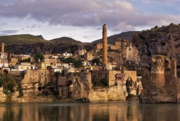 Kota tua Hasankeyf, Turki yang berusia lebih dari 10 ribu tahun akan segera ditenggelamkan.
