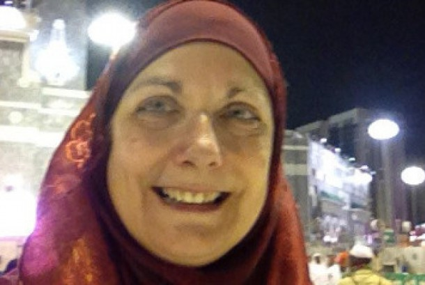 Perjalanan Mantan Wartawati AS Menggapai Islam