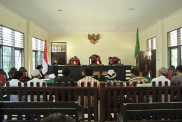 Majelis hakim saat menggelar sidang di pengadilan (ilustrasi).