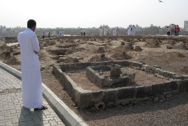 Makam Baqi di samping Masjid Nabawi, Madinah, Arab Saudi.