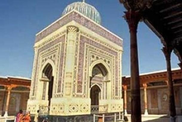 Masjid Bibi Khanym di Samarkand, Uzbekistan.