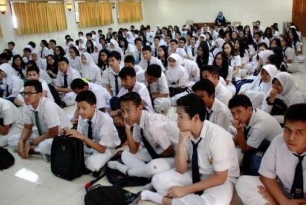 Masa orientasi studi siswa sma (ilustrasi)