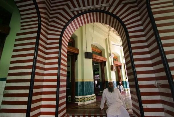 Masjid Jamiul Alfar Kolombo, Sri Langka.