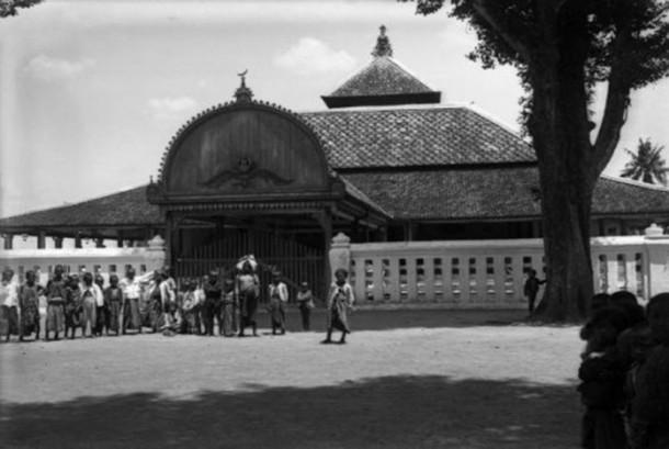 Masjid Kauman Yogyakarta tahun 1880.
