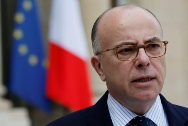 Menteri Dalam Negeri Prancis  Bernard Cazeneuve