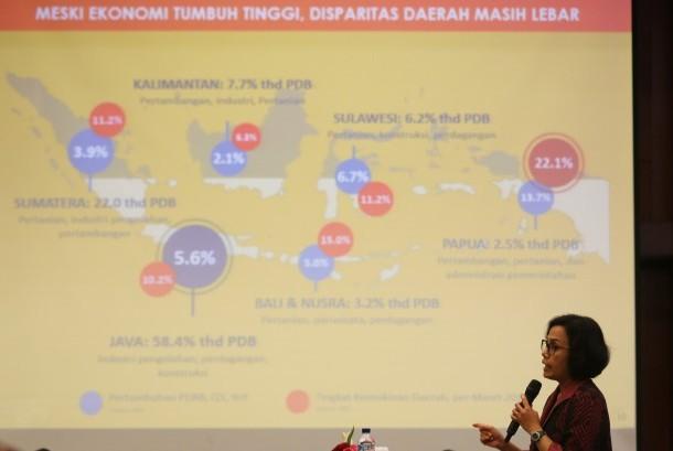 Menteri Keuangan Sri Mulyani Indrawati memberikan arahan saat Rapat Kerja Nasional (Rakernas) Kementerian Keuangan di Jakarta, Selasa (10/1).