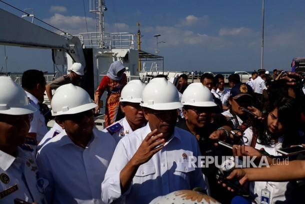 Menteri Perhubungan Budi Karya Sumadi melakukan kunjungan ke Pelabuhan Probolinggo, Jatim, Ahad (20/8).
