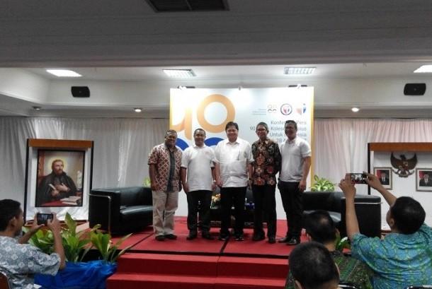 Menteri Perindustrian Airlangga Hartanto yang juga alumnus Kolese Kanisius dalam rangkaian perayaan HUT Kolese Kanisius ke-90