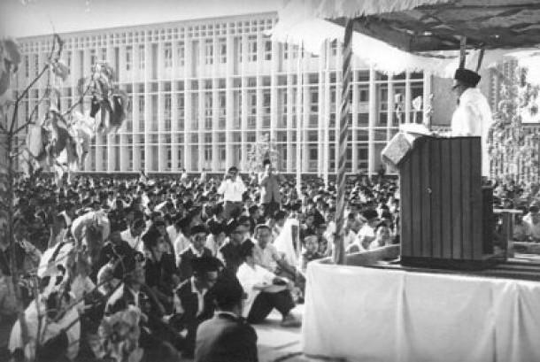 Mohammad Natsir, setelah Masyumi dibubarkan, mendirikan Dewan Dakwah Islamiyah Indonesia (DDII).