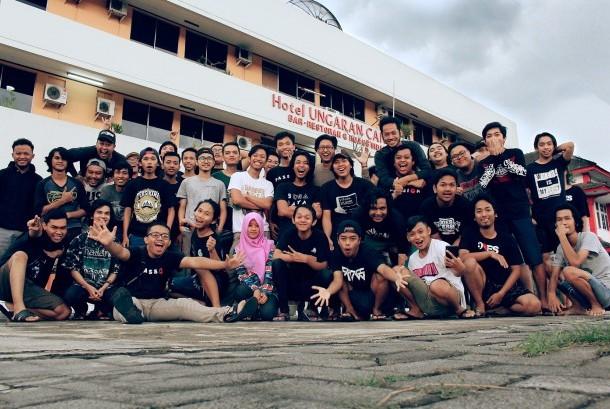 Para siswa DOES University
