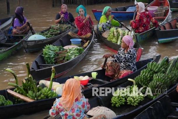Pasar terapung Martapura. (Foto: Edwin Dwi Putranto)