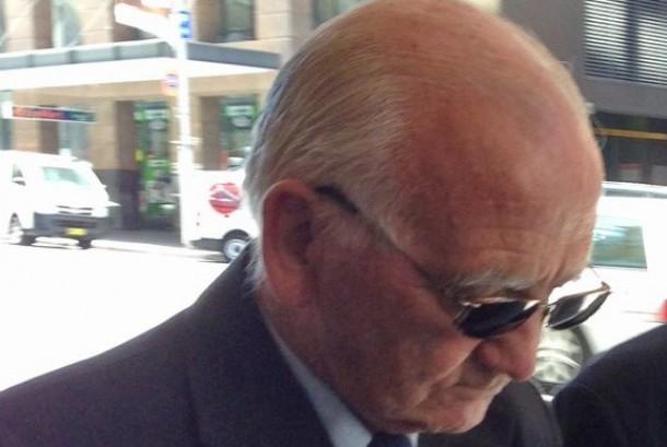 Pastor Katolik Finian Egan usai divonis bersalah di pengadilan Downing Centre District Court pada November 2013. Dia akan bebas pekan ini.