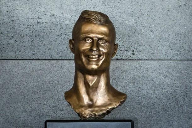 Patung Cristiano Ronaldo.
