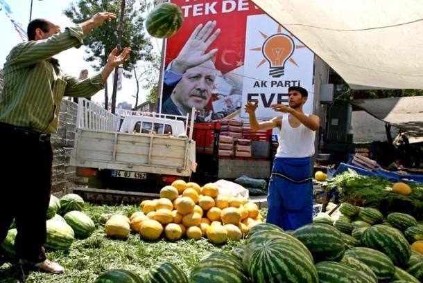 Pedagang buah-buahan di Turki. (ilustrasi)