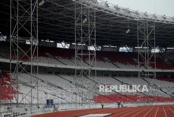 The work of renovation project of Gelora Bung Karno Main Stadium (SUGBK) in Senayan, Jakarta, was still on progress, Tuesday (October 3).