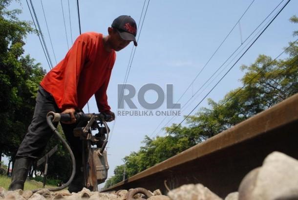Rel kereta api (ilustrasi)