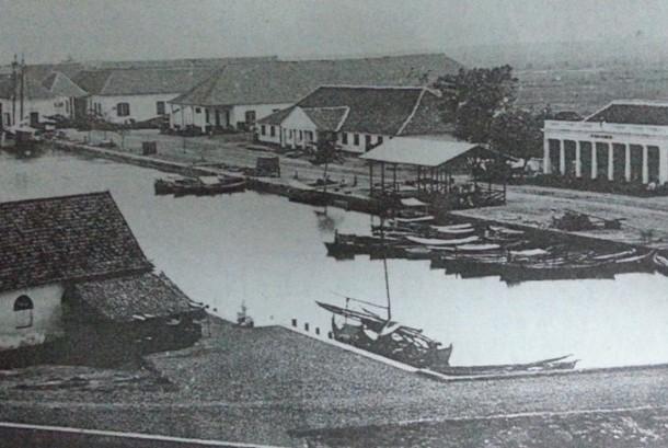 Pelabuhan lama Sunda Kalapa 1860-an.