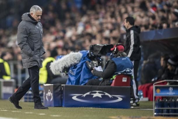 Pelatih  Manchester United Jose Mourinho bereaksi pada pertandingan penyisihan Grup A Liga Champions UEFA antara FC Basel 1893 dan Manchester United FC Inggris di Stadion St Jakob-Park di Basel, Swiss, Kamis (23/11).